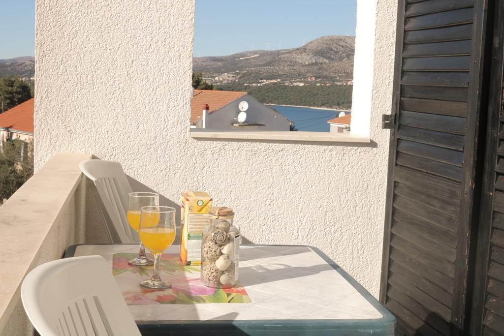 okrug-donji-apartment-balcony-2-l.jpg